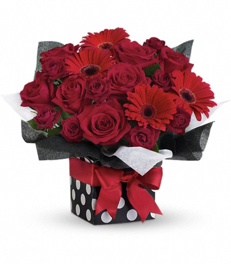Canada flowers lush red roses